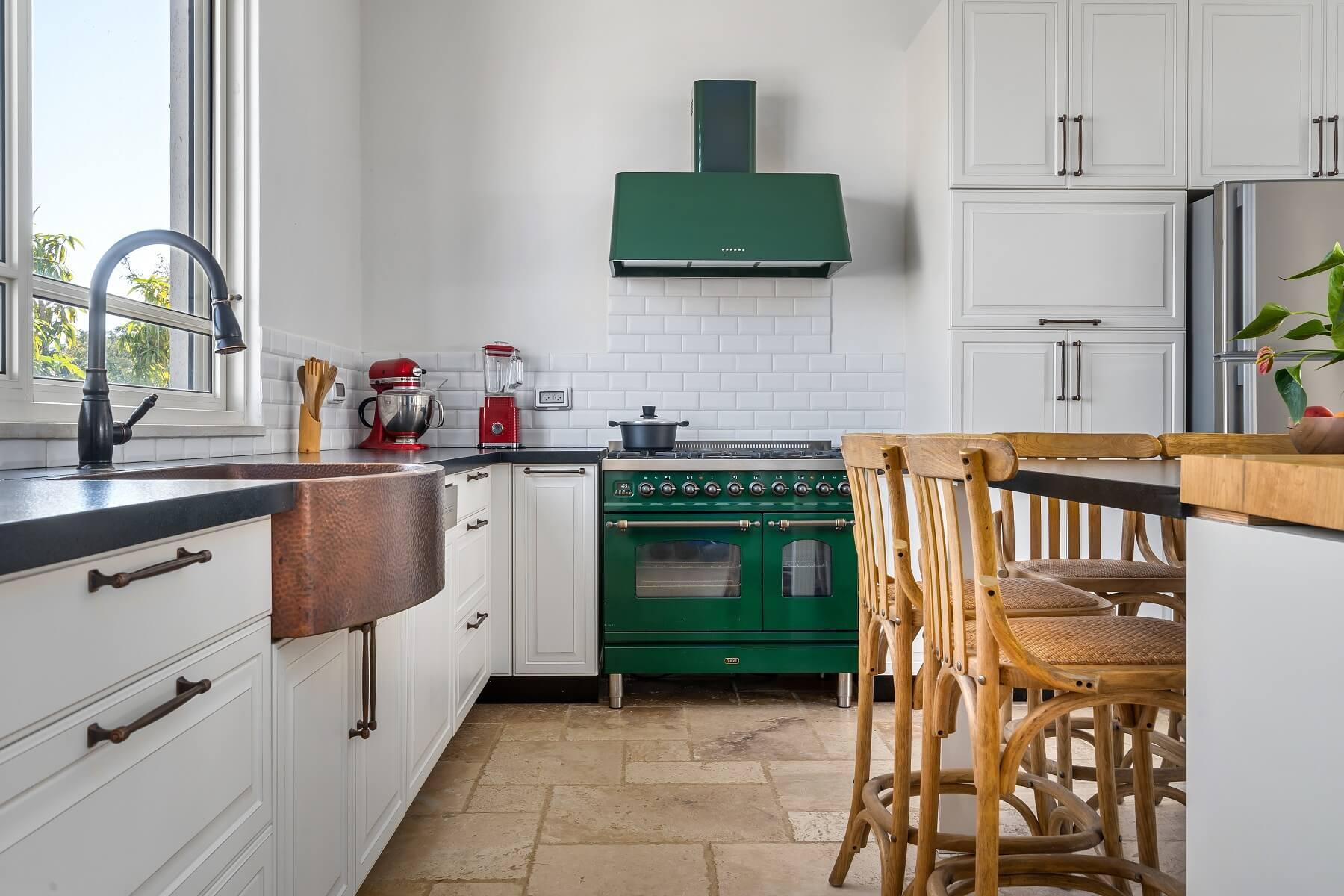 מטבח בצבע ירוק