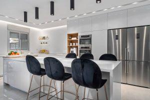 מטבחים קלסיים / מודרניים - מטבחי הדקל