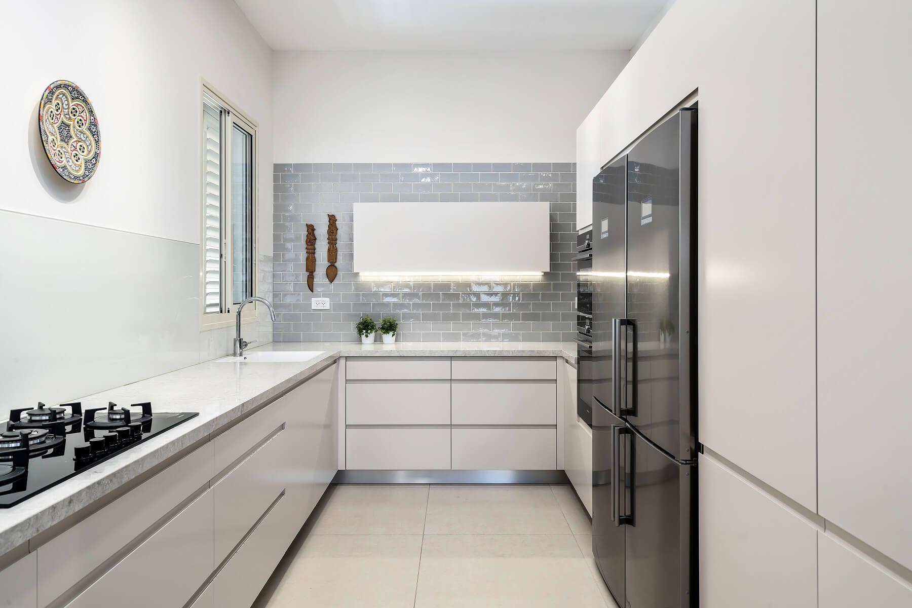 מטבחים מודרניים - ריקי קרקואר